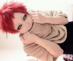 Child Gaara from Naruto - COSPLAY IS BAEEE! Tap the pin now to grab yourself some BAE Cosplay leggings and shirts! From super hero fitness leggings, super hero fitness shirts, and so much more that wil make you say YASSS! Gaara Cosplay, Cosplay Anime, Kawaii Cosplay, Epic Cosplay, Amazing Cosplay, Cosplay Outfits, Cosplay Costumes, Animes Emo, Naruto E Boruto
