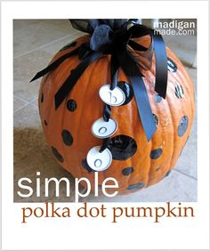My Simple Way to Decorate a Pumpkin - Rosyscription Holidays Halloween, Halloween Crafts, Holiday Crafts, Happy Halloween, Holiday Ideas, Holiday Decor, Pumpkin Crafts, A Pumpkin, Pumpkin Carving