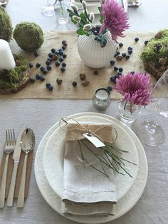Anette Willemine - Page 12 of 241 - Place Settings, Table Settings, Dressing Your Table, Elegant Homes, Decorating Your Home, Tablescapes, Design Art, Berries, Table Decorations