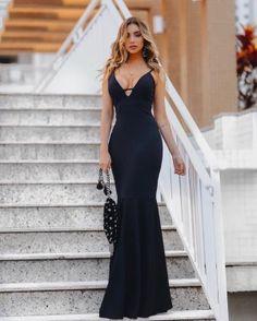 Inspiração 03  #madrinha #madrinhadecasamento #madrinhasdecasamento #vestidomadrinha#vestidomadrinhadecasamnro #vestidodefesta #vestidobordado #vestidodecotado #vestidolongo #vestidodenoiva #vestidodecasamento
