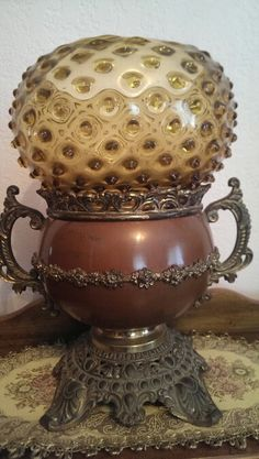 My great grandmother's antique oil lamp Very unusual Antique Oil Lamps, Antique Lighting, Vintage Lanterns, Vintage Lamps, Victorian Lamps, Kerosene Lamp, Lampshades, Lamp Light, Chandeliers