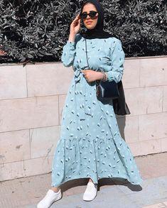 "RF Designs on Instagram: ""Dress available all sizes 🌸"" Abaya Fashion, Muslim Fashion, Fashion Outfits, Street Hijab Fashion, Modest Outfits, Cool Outfits, Casual Outfits, Abaya Designs, Hijab Outfit"