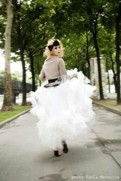 Runaway Bride. LK PARIS photo Tania Mendillo