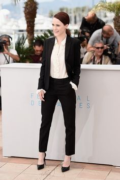 Pin for Later: The Prettiest Dresses We've Ever Seen Walked the Red Carpet at Cannes Rachel Brosnahan House of Cards star Rachel Brosnahan promoted her film Louder Than Bombs at Cannes in a tailored suit and power heels.