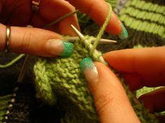 KEHRÄÄMÖSSÄ: Yleisön pyynnöstä: Kantapää Fingerless Gloves, Arm Warmers, Crochet Earrings, Clothes, Mittens, Tall Clothing, Cuffs, Fingerless Mitts, Clothing Apparel