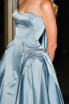 Zac Posen - Spring 2013 - via: kca-fashionista - Imgend Couture Mode, Style Couture, Couture Fashion, Runway Fashion, High Fashion, Woman Fashion, Dress Fashion, Fashion Fashion, Zac Posen