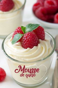 WMF Cutlery And Cookware - One Of The Most Trustworthy Cookware Producers Easy White Chocolate Mousse Made With Cream Cheese For An Amazingly Delicious Treat That's Perfect For Valentine's Day Or A Random Tuesday Perfect For Your Sweetie Mini Desserts, Low Carb Desserts, Easy Desserts, French Desserts, Mason Jar Desserts, Mini Dessert Recipes, Easy Sweets, Elegant Desserts, Desserts Menu