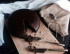 Κέικ σοκολάτας με γλάσο σοκολάτας Chocolate Ganache Cake, Dairy Free Recipes, Vegan Desserts, Free Food, Pudding, Sweets, Beef, Healthy, Brownies