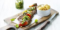 Lamsfilet met gegrilde paprika's, pesto-dressing en gebakken aardappeltjes | Carrefour Market