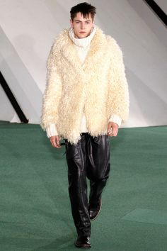 Maison Martin Margiela Fall 2014 Menswear Collection Slideshow on Style.com
