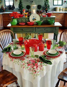 LITTLE ROUND TABLE 7 :: 060711REDTRUMPETVINE00222.jpg picture by peppercorn99 - Photobucket