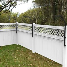 Houdini-Proof Fence Extension System Kit with Poly Plastic Fence Material Dog Pet Barrier Dog Proofe Dog Proof Fence, Cat Fence, Fence Options, Fence Ideas, Garden Ideas, Pet Barrier, Fencing Material, Pet Dogs, Pets