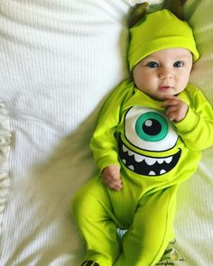 16 Baby Halloween Costumes That Any Parent Can Pull Off 2019 Baby Outfits, Kids Outfits, Cute Little Baby, Baby Kind, Baby Boy Fashion, Kids Fashion, Cute Kids, Cute Babies, Baby Halloween Costumes