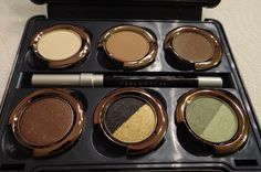 Urban Decay Theodora Palette Swatches, Photos, and Review.    http://www.beautyandfashiontech.com/2013/01/urban-decay-theodora-swatches.html#