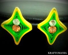 Handmade waterproof quilled earrings material : acid free paper with swarovski flat base KM Paper Strips, How To Make Paper, Free Paper, Jewelry Patterns, Swarovski Crystals, Handmade Jewelry, Base, Jewellery, Flat