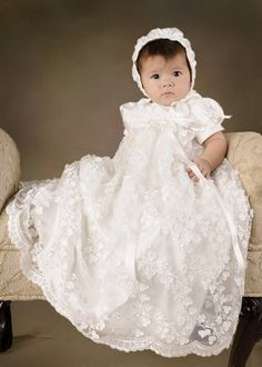 Toddlers First Communion Dress White/Ivory Christening Gown with Bonnet Laced Short Sleeves Baby Baptism Robe For boys girls Girls Christening Dress, Baby Girl Christening, Baptism Dress, Baby Girl Birthday Dress, Baby Dress, Bebe Love, Blessing Dress, Baby Blessing, Foto Baby