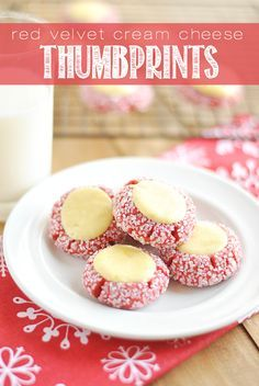 Red Velvet Cream Cheese Thumbprints These Red Velvet Thumbprints are a cookie and cheesecake in one! Perfect for Christmas cookie plates and dangerously delicious. Holiday Cookies, Holiday Baking, Christmas Desserts, Christmas Treats, Holiday Treats, Christmas Christmas, Christmas Cookies Unique, Traditional Christmas Cookies, Thanksgiving Sides