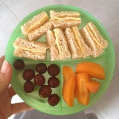 Easy Toddler Food. Lots of great posts here