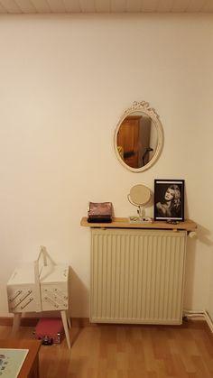 1000 id es sur tablette de radiateur sur pinterest tables d 39 appoint couverture de radiateur. Black Bedroom Furniture Sets. Home Design Ideas