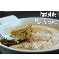 Estas aburrid@ de comerte el pan integral con claras de huevo y mermelada ?? 😂😂😂 que te parece si lo conviertes todo en un rico pastel? Super sencillo ....vamos con la receta !  Pastel de pan integral  2 rebanadas de pan integral  4 claras de huevo  1 yema  1/4 de cdita de polvo para hornear  Endulzante al gusto  1/4 cdita de Canela  Preparación:  Licuar todos los ingredientes hasta obtener una mezcla homogénea . Verter luego en un molde y hornear a una temperatura aproximada de 180ºC…
