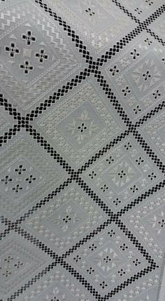 Hand Embroidery Designs, Embroidery Patterns, Sewing Pants, Drawn Thread, Hardanger Embroidery, Crochet Tablecloth, Bargello, Embroidery Techniques, Blackwork