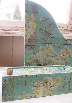 decoupage distressed