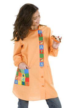 €35.50 - Bata Maestra Animalitos - 8139 Apron Designs, Boys Wear, Scrubs, Ideias Fashion, How To Make, How To Wear, Sewing, Womens Fashion, Sweaters