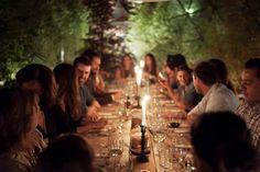 Decoración del jardín para una cena con amigos
