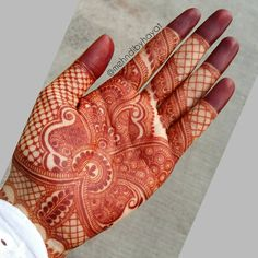 Beautifully detailed inspiration by Nashwah Khan ➖➖➖➖➖ /Henna by Mehndi Design Pictures, Modern Mehndi Designs, Mehndi Designs For Girls, Wedding Mehndi Designs, Beautiful Mehndi Design, Dulhan Mehndi Designs, Arabic Mehndi Designs, Mehndi Patterns, Mehndi Images
