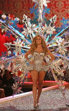 Remember when Heidi Klum was a special snowflake at the Victoria's Secret Fashion Show in 2007?