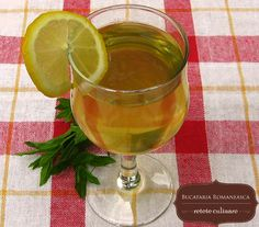 Sirop de menta Juice Drinks, Alcoholic Drinks, Drink Recipes, Glass, Food, Drinkware, Corning Glass, Essen, Liquor Drinks