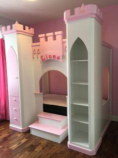 lit queen ch teau de princesse avec escalier glissade. Black Bedroom Furniture Sets. Home Design Ideas