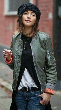 i'm into the well-accessorized, sloppy, stylish look. Fashion Mode, Tomboy Fashion, Look Fashion, Fashion Outfits, Womens Fashion, Tomboy Style, Street Fashion, Mode Outfits, Casual Outfits