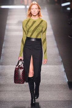 Louis Vuitton Spring 2015 Ready-to-Wear Collection  - ELLE.com