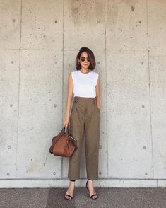 90 Sophisticated Work Attire and Office Outfits for Women to Look Stylish and Chic - Lifestyle State Casual Work Outfits, Work Attire, Simple Outfits, Classy Outfits, Stylish Outfits, Cute Outfits, Summer Office Outfits, Pretty Outfits, Beautiful Outfits