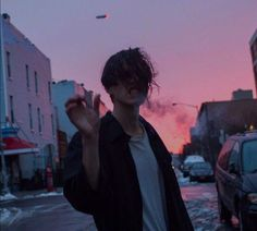 boy, grunge, and smoke image Aesthetic Boy, Aesthetic Grunge, Pretty Boys, Cute Boys, Cute But Psycho, Boy Tumblr, Cigarette Aesthetic, Hipster Photography, People Photography
