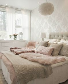 The beautiful, cosy bedroom of 👈🏻 Good night ✨ Cosy Bedroom, Dream Bedroom, Girls Bedroom, Bedroom Decor, Home Interior, Interior Design Living Room, Living Room Decor, Suites, Cool Rooms