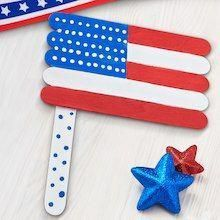 SLV: Saved to Michaels Kids Club® Craft Stick American Flag Help your kids get into the spirit of the holiday with this patriotic flag craft. Craft Stick Crafts, Preschool Crafts, Easy Crafts, Paper Crafts, Kids Crafts, Craft Sticks, Craft Ideas, Decor Ideas, Popsicle Stick Crafts For Kids