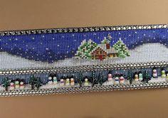 Loomwork by  Erin Simonetti, look at the Snowmen!