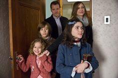 Vera Farmiga, Peter Sarsgaard, Jimmy Bennett, Isabelle Fuhrman, and Aryana Engineer in Orphan (2009)