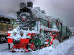 Steam locomotive in the snow. Rail Train, Train Art, Old Steam Train, Choo Choo Train, Christmas Train, Country Christmas, Holiday Train, Christmas Scenes, Old Trains