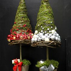 Holiday Tree, Christmas Baubles, Felt Christmas, Xmas Tree, Christmas Home, Christmas Wreaths, Christmas Crafts, Unique Christmas Decorations, Holiday Decor