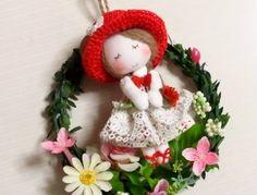 ハンドメイドマーケット minne(ミンネ)  ミニドール(赤い帽子)