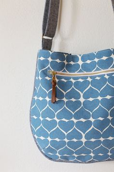 Birthday Trail Tote - Noodlehead, a small crossbody tote that's fun to sew!