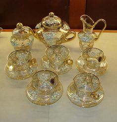 A Forgotten Elegance Enameled Venetian Glass Tea Set. - Coffee Set - Ideas of Coffee Set - A Forgotten Elegance Enameled Venetian Glass Tea Set. Objets Antiques, Teapots And Cups, China Tea Cups, Glass Tea Cups, Best Tea, My Cup Of Tea, Venetian Glass, Chocolate Pots, Coffee Set