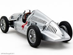Automobile - Auto Union Type D #4 Tazio Nuvolari 1938