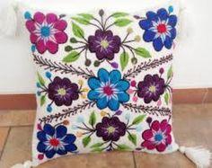 Resultado de imagen para peruvian embroidery