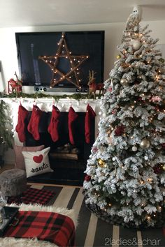 Decorating was easy this year after a trip to HomeGoods! Fabulous Christmas…