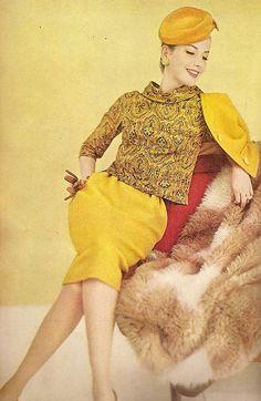 A deeply golden saffron hued suit with matching paisley top, 1960 Moda Retro, Moda Vintage, Vintage Vogue, Vintage Glamour, Mod Fashion, 1960s Fashion, Vintage Fashion, Vintage Dresses, Vintage Outfits