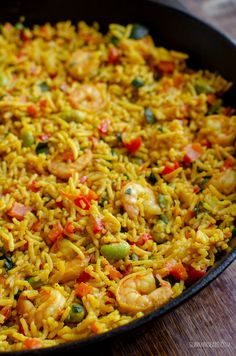 A simple tasty packed with flavour One Pan Syn Free Prawn and Vegetable Pilaf for an easy any day meal. Prawn Recipes, Seafood Recipes, Chicken Recipes, Rice Recipes, Recipies, Slimming Eats, Slimming World Recipes, Healthy Comfort Food, Healthy Eating